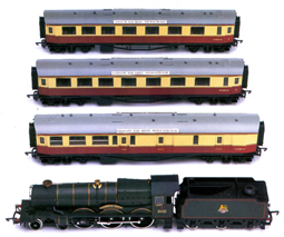 B.R. Castle Locomotive with Three B.R. Centenary Coaches (Castle Class - Winchester Castle)