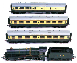 G.W.R. County Locomotive with Three Centenary Coaches (County Class - County Of Somerset)