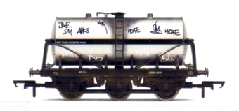 6 Wheel Milk Tank Wagon With Graffiti
