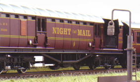 L.M.S. Operating Royal Mail Coach Set - Night Mail